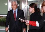 한민구 김관진, 나란히 검찰 조사...계엄령 문건 작성 의혹