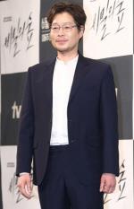 유재명 결혼, '재혼' 아닌 '초혼'…조승우·신혜선·라미란 총출동