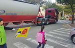 초등생 통학로에 트럭 쌩쌩 '위험천만'