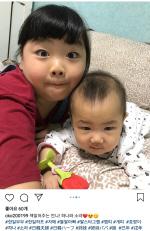 """고창환x시즈카 부부, 혼혈 딸 둘 사진 공개해 화제 """"너무 귀여워"""""""