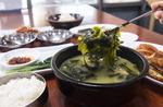 바지락 진한 육수 미역국, 가자미 조림에 집밥 반찬…기장바다가 차린 밥상