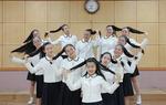 소아암 어린이들에 머리칼 내준 소녀들