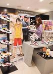 일본 인기 애니메이션 캐릭터와 운동화의 만남