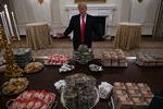 셧다운 때문에…백악관 햄버거로 만찬