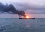 연료 옮기다 배 2척 화재…사망·실종 20여 명