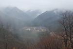 먼 산 걸린 구름에 운치 더하는 고찰…동양화 보는 듯 평안
