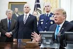 """트럼프 """"북 비핵화 긴급한 시간표 없다""""…또 속도조절론"""
