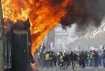 폭력사태 물든 '노란조끼'…파리 곳곳서 방화·약탈 이어져