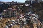 중국 산시성 산사태로 건물 붕괴…사망·실종 최소 20명
