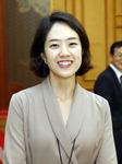문재인 대통령, 청와대 대변인에 40세 고민정 파격 발탁