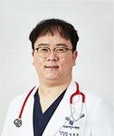 [진료실에서]  신생아 공갈 젖꼭지 물리면 급성 중이염 부를 수도