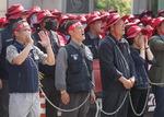 '쇠사슬 인간띠'로 현장 실사 막는 대우조선 노조