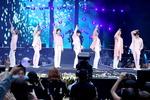 더 큰 공연장 변경요구 폭주…BTS '부산 소집'에 설레는 아미 팬심