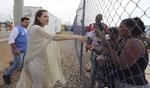 콜롬비아·베네수엘라 접경 난민촌 찾은 졸리