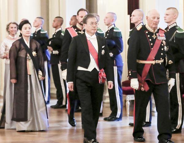 문재인 대통령, 노르웨이와 수소에너지 협력 논의