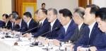 """문재인 대통령 """"일본 수출규제 장기화 배제 못해…모든 가능성 대비"""""""