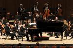 피아니스트 조성진의 첫 지휘무대, 49초 만에 매진