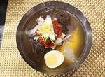 하노이서 즐기는 옥류관 냉면·대동강맥주…북한의 맛 고정관념 깨다