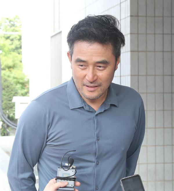 """""""보복운전"""" 최민수에 징역 1년 구형…""""욕설한 것 후회 안 해"""""""