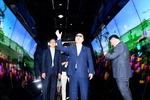 LG 디스플레이 공장 찾은 홍남기 부총리