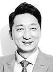 [세상읽기] 금, 위기 때 빛난 '진짜 돈' /정철진