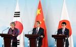 강경화·고노 만남…'수출규제·지소미아(한일 군사정보보호협정)' 상황 반전 없었다