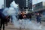 평화 깨진 홍콩시위…열흘만에 최루탄 재등장