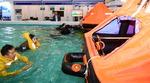 해수부, 안전성 높인 어선용 구명의 선보여