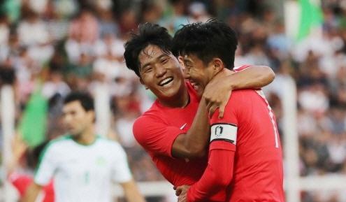 한국, 투르크메니스탄과의 예선전 2-0 승리…나상호, 정우영 골