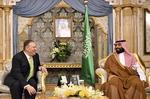 """사우디 간 폼페이오 """"이란 본토서 석유시설 공격…전쟁행위"""""""