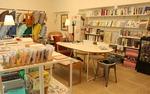 [동네책방 통신] 책 사러 왔다가 린넨 제품·액자 감상…이 공간, 멋스럽다