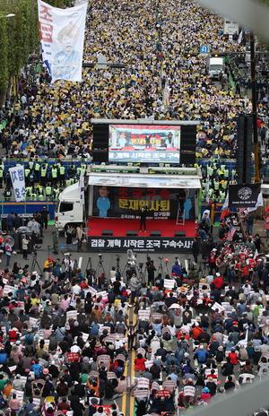 '광장 vs 광장' 극한대결…정치권, 수습 뒷전 갈등 부채질