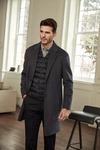 [이차은의 패션 로그인] 경량다운 베스트에 모직 코트…겨울 보온성 극대화 아이템1