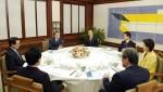 문재인 대통령, 야당과의 협치 재시동…만찬 메뉴는 막걸리·돼지갈비