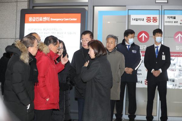 단식 중 쓰러진 황교안 대표 의식 찾아…한국당 긴급 의원총회 예정