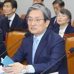 """청와대 """"해명 가능한 의혹""""…'하명수사·감찰무마' 진화 고심"""