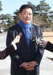 """검찰 출석 임동호 """"청와대 친구들과 한 얘기…경선 포기 조건 아냐"""""""
