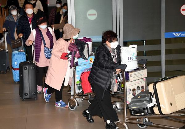 중국의 적반하장…지방정부, 한국인 입국규제 강화