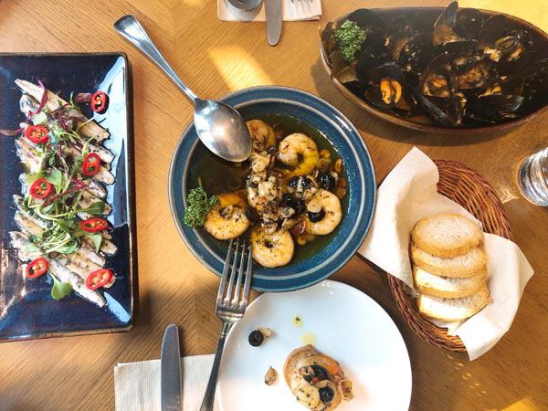 스페인 사람도 깜짝 놀랐네…부산서 맛보는 '께 리코' 집밥