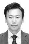 [스포츠 에세이] 스포츠 산업, 기로에 서다 /김대환