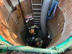하수도 맨홀 작업 중 가스 유출로 3명 숨져