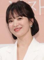 송혜교, 끝 없는 선행…서경덕 교수와 충칭 임시정부에 안내서 1만부 기증