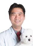 [김용희 수의사의 반려동물 돌보기] 자가진료는 불법…보호자가 주사·약물 취급하면 처벌