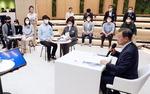 """문 대통령 """"청년 스타트업 죽음의 계곡 넘도록 돕겠다"""""""