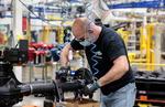 글로벌 자동차 공장 다시 문연다…국내 부품업계 생산라인도 예열