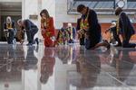 8분46초 무릎 꿇은 민주당…미국 플로이드 마지막길 배웅