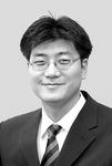 [뉴스와 현장] 해수부 몽니에 꼬인 신항 개발 /유정환