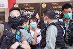 홍콩보안법 반대 침묵 행진…경찰, 내달 주권반환 집회 금지
