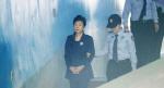 '국정농단' 박근혜 파기환송심서 징역 20년·벌금 180억 원