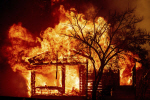 美 캘리포니아 번개로 인한 산불…서울 면적 6배 태워